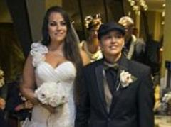 Gay marriage law celebrated in Hawaii with midnight weddings